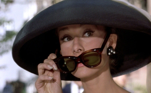 Breakfast-at-Tiffanys_Audrey-Hepburn_black-hat-sunglasses_bmp2