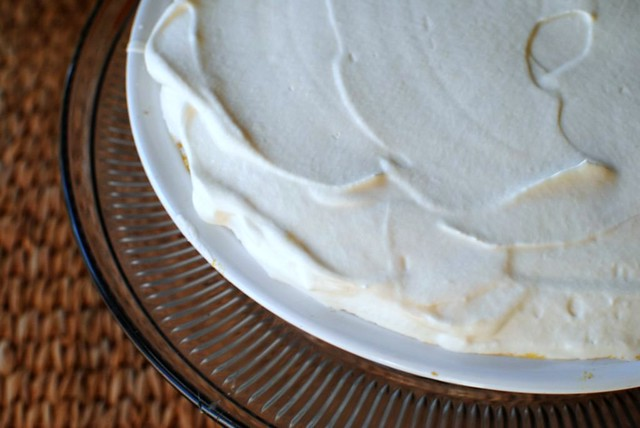 almost no bake pumpkin pie with maple whipped cream