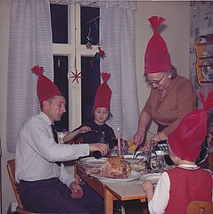 Jul christmas 1965 (Ankar60) Tags: christmas old family girls kitchen girl barn vintage children design kid 60s sweden interior swedish clothes sverige 1960s jul familj svensk kk interir gammal homeware klder gammalt 60tal flickor ydrehammar