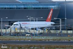 G-TTOJ - 2157 - Easyjet - Airbus A320-232 - Luton - 101201 - Steven Gray - IMG_4897