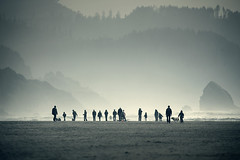 group symmetry (sparth) Tags: blue trees people beach oregon canon landscape grey sand october silhouettes telephoto cannon cannonbeach pnw 56 2010 300mm28l 600mm 300mml thelittledoglaughed artlibres 5dmkii