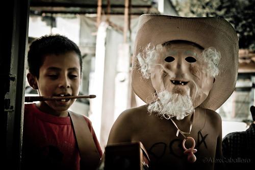 Deme un peso by Alex Caballero.