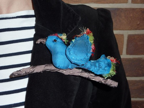 """birdie brooch • <a style=""""font-size:0.8em;"""" href=""""http://www.flickr.com/photos/35733879@N02/5319806990/"""" target=""""_blank"""">View on Flickr</a>"""