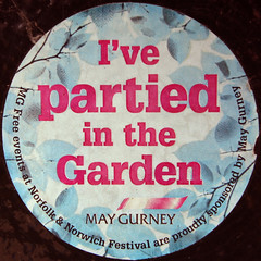 I've partied in the Garden (Leo Reynolds) Tags: canon eos iso100 sticker 7d squaredcircle f80 22mm hpexif 0017sec sqset059 xleol30x