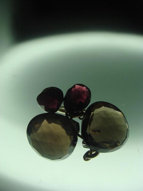 anillo gemmasu c. fume y granates