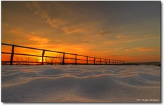 Winterzaun (PhotoArt Hartmann) Tags: schnee winter sunset sun canon fence eos sonnenuntergang jan sigma 7d 1020mm zaun eis sonne hartmann photoart hdr lneburg dahlenburg photomatix 3exp harmstorf 100commentgroup