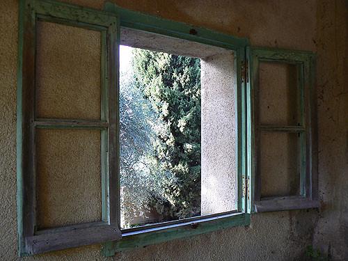 fenêtre du lavoir.jpg