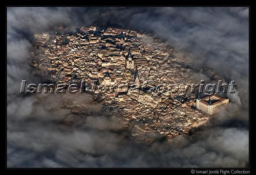 Toledo entre nubes
