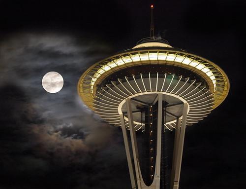 フリー写真素材, 建築・建造物, 塔・タワー, 夜景, 月, アメリカ合衆国,