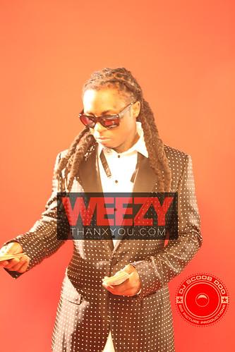 Lil-Wayne-6-foot-7-foot1