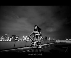 monita in black