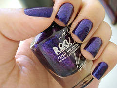 Groupie (L.A. Girl) (Ju Zanela) Tags: rockstar nails nailpolish unhas roxo groupie esmaltes esmalte duochrome lagirl