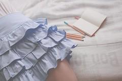 23/365 sweet blue (Honey Pie!) Tags: moleskine girl pen notebook bed skirt days honey romantic 365 pens cama canetas stabilo saia caneta 365days romntica 365daysproject stabilopen 365dias stabilopens 365daysofhoney