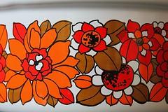 Enamelled sauce pan 70s Sweden (Ankar60) Tags: red orange flower kitchen vintage design sweden swedish retro 70s sverige 1960s blommor svensk kök saucepan enamel röd 60tal enamelled kastrull emalj blommig emajerad