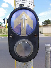 Call button (RS 1990) Tags: old crossing traffic eagle january pedestrian signals button lanterns adelaide salisbury southaustralia aldridge valleyview pedestriancrossing secondaryschool 2011 teatreegully walkleyheights inglefarm wrightrd