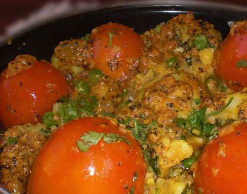 Tomato Baskets in Veggie Gravy