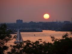 Sailboat (Gus NYC) Tags: sunset newyork sailboat boat sailing hudsonriver