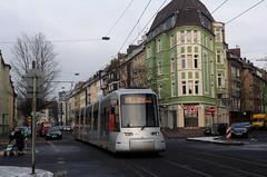 """Hamsterbacke"" NF8U 3334 in der Collenbachstr auf der Linie 715 (Frederik Buchleitner) Tags: tram streetcar dsseldorf trambahn 3334 nf8u"