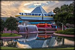 EPCOT - Monorail [Explore] (Silver1SWA (Ryan Pastorino)) Tags: world canon epcot disney wdw walt monorial canon24105l 40d