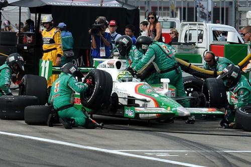 Andretti Autosport #11 crew in pit lane