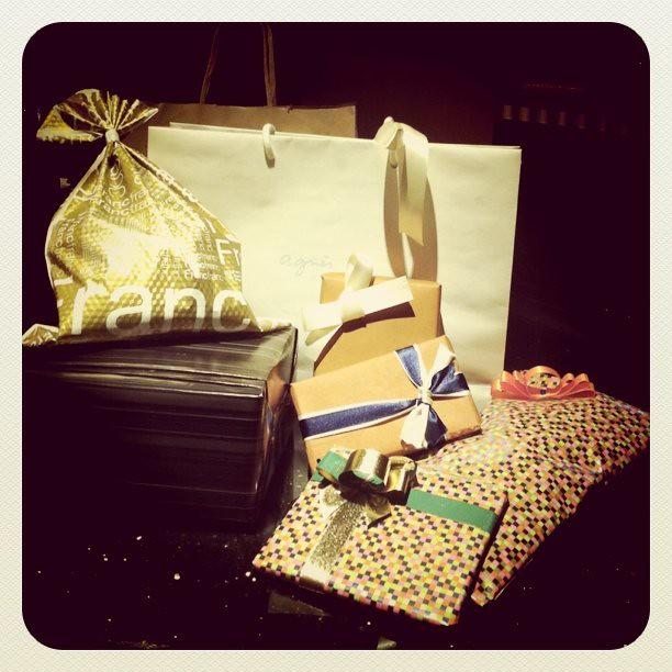 交換禮物囉! i love Secret Santa! :)
