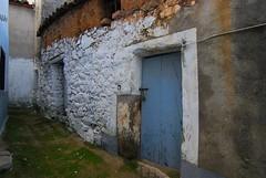 dw017 (Petit Doisneau) Tags: macro tokina1224 ventanas cceres puertas extremadura fachadas tamron70300 nikon35mm rstico nikond80 ibores peraledasanromn