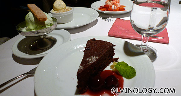 Guess which two female bloggers ate all these desert items? :p
