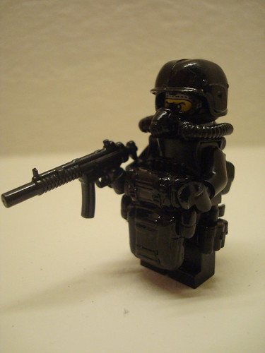 H.A.L.O. CIA operator night ops
