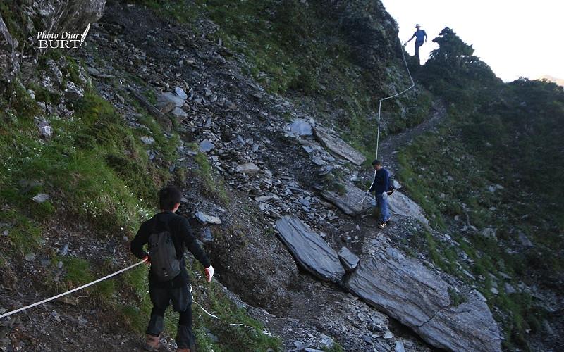 奇萊主峰下的崩坍危險地形