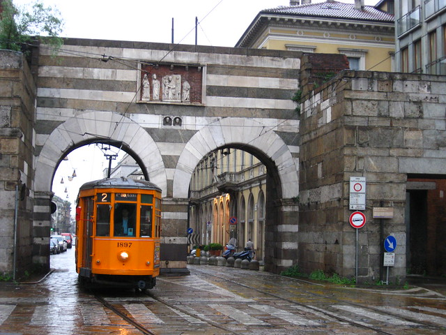 ミラノの路面電車のフリー写真素材