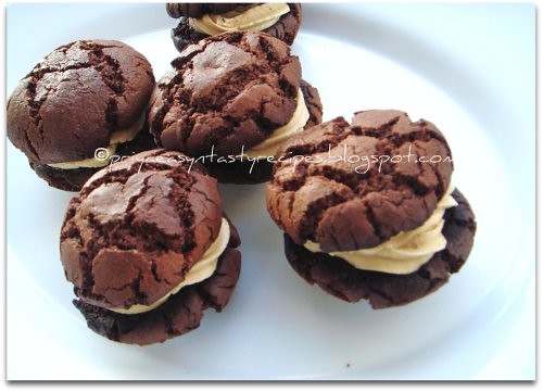Chocolate Cookies Sandwich