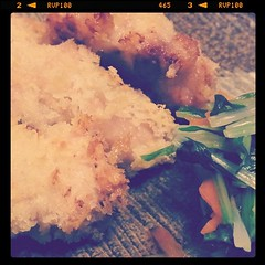 鶏のクリーム焼き試作。水菜のサラダは三杯酢でマリネ。バターの風味とビネガーの酸味があいまって美味しいd(^_^o)