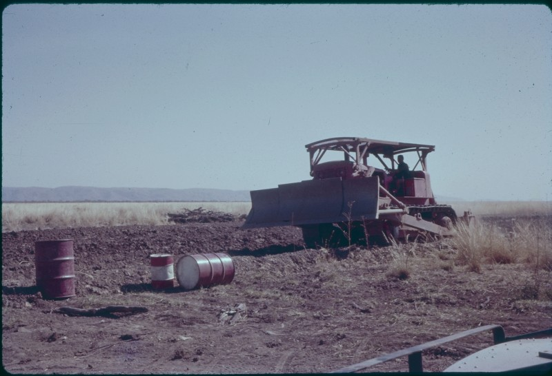 1960-10-Ord Pilot Farm Constructing Channel to Flume - KHS-2010-2-074-bu-PD