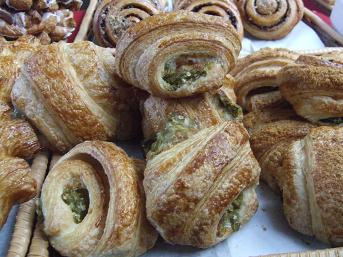 Green chile croissants