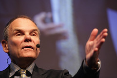 "Don Tapscott <a style=""margin-left:10px; font-size:0.8em;"" href=""http://www.flickr.com/photos/33037897@N06/5349537686/"" target=""_blank"">@flickr</a>"