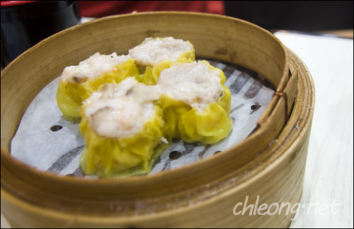 Steamed pork dumpling with shrimp