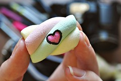 sweet love (anaseidel) Tags: color macro love hand candy heart sweet amor dedos coração doce mão