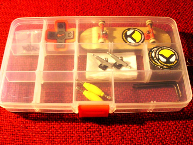 post your fingerboard case/box - Page 7 5383212329_82d4282f0b_z