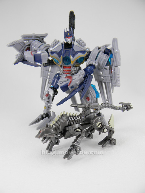 Transformers Ravage HftD Legends - modo robot vs Soundwave