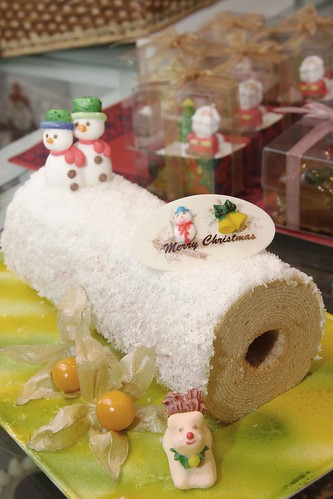 Classic baumkuchen with white chocolate & coconut flakes