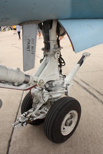 EAA10_FA-18C_023
