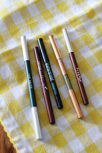 Eyeliner, eyeliner, eyeliner