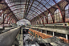 "Antwerp Railway Station • <a style=""font-size:0.8em;"" href=""http://www.flickr.com/photos/45090765@N05/5241585964/"" target=""_blank"">View on Flickr</a>"