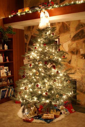 401px-12242008_ChristmasEve00028