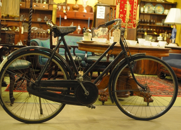vintage bicycles shop