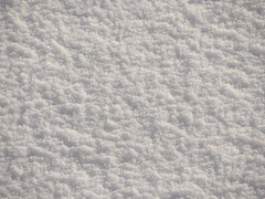 Snow (looks best in full-screen mode) (Sir Knips-a-lot) Tags: christmas desktop winter wallpaper white macro 200 100 wallpapers makro dem auf fahren alle wir hintergrundbild hintergrundbilder weis talwrts