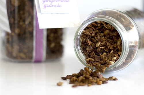 gingerbread_granola_03