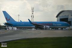 G-OBYH - 28883 Thomson Airways - Boeing 767-304ER - Luton - 100426 - Steven Gray - IMG_0440