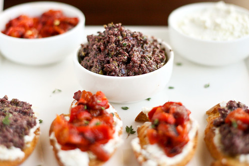 olive tapenade and goat cheese crostini olive tapenade and goat cheese ...