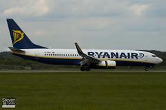 EI-DWH - 33637 - Ryanair - Boeing 737-8AS - Luton - 100513 - Steven Gray - IMG_1054
